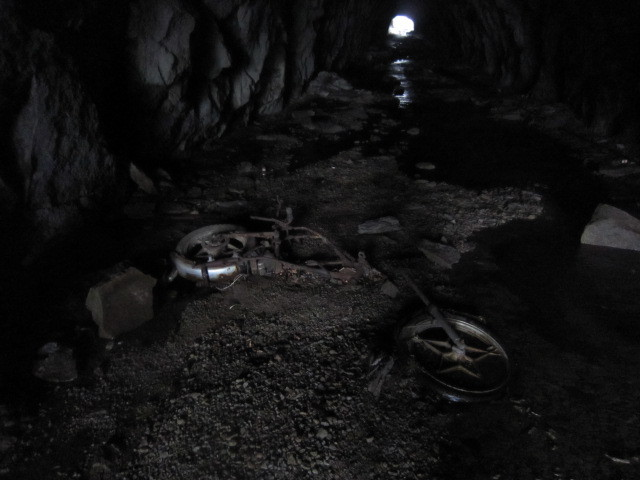 バイクの化石を発見しました!.JPG